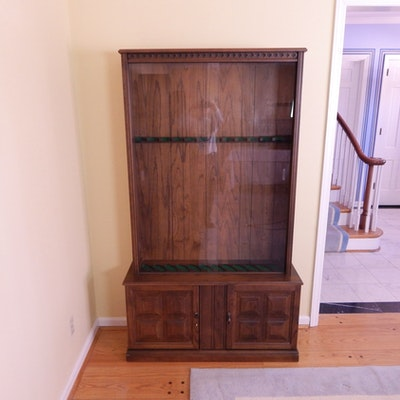 Vintage Gun Cabinet - Vintage And Antique Cabinets Auction In Lakeside Park, Kentucky