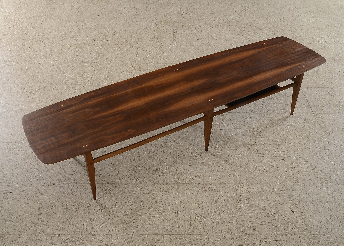 Mid century modern lane coffee table style 991 09 ebth for Modern chic coffee tables