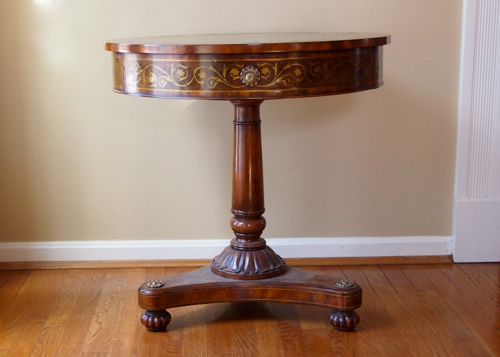 theodore alexander regency style centre table - Antique Furniture For Sale