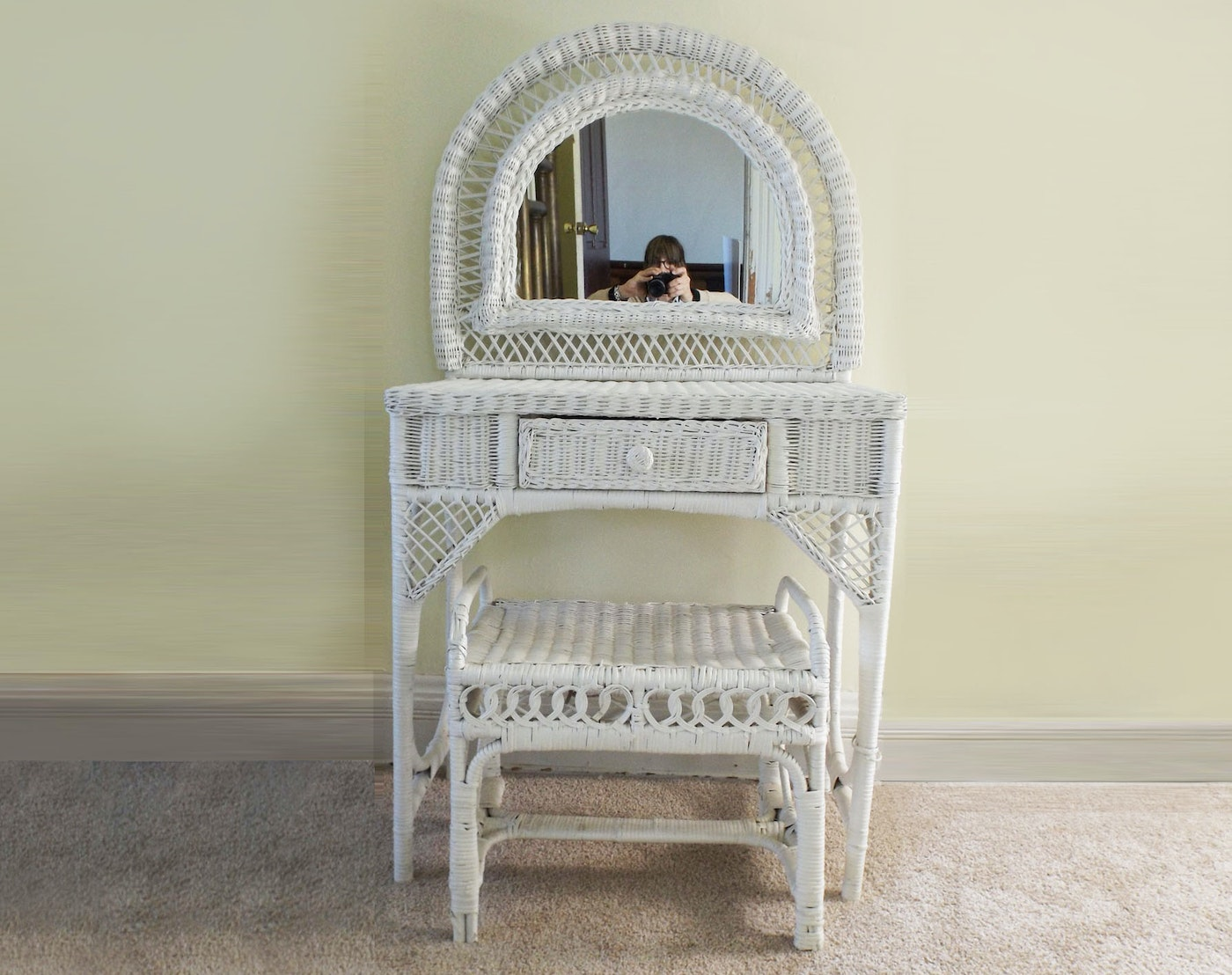 A White Wicker Mirrored Vanity Table And Bench Ebth