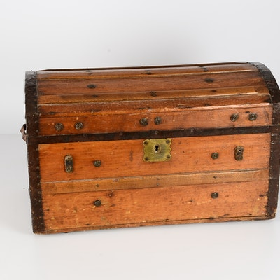 Oak Dome Top Trunk - Online Furniture Auctions Vintage Furniture Auction  Antique - Antiques For Sale Online Furniture Antique Furniture