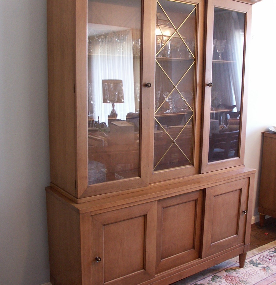 Mid 20th century century furniture china cabinet ebth for Mid 20th century furniture