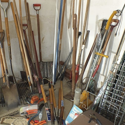 Garden accessories in indian hill ohio personal property for Gardening tools in hindi