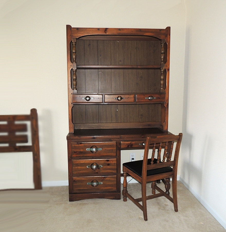 Young Hinkle Quot Ship Ahoy Quot Wood Desk With Bookcase Hutch Ebth