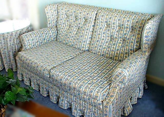 Early American Style Loveseat And Accent Table With Glass Top, Matching  Fabric