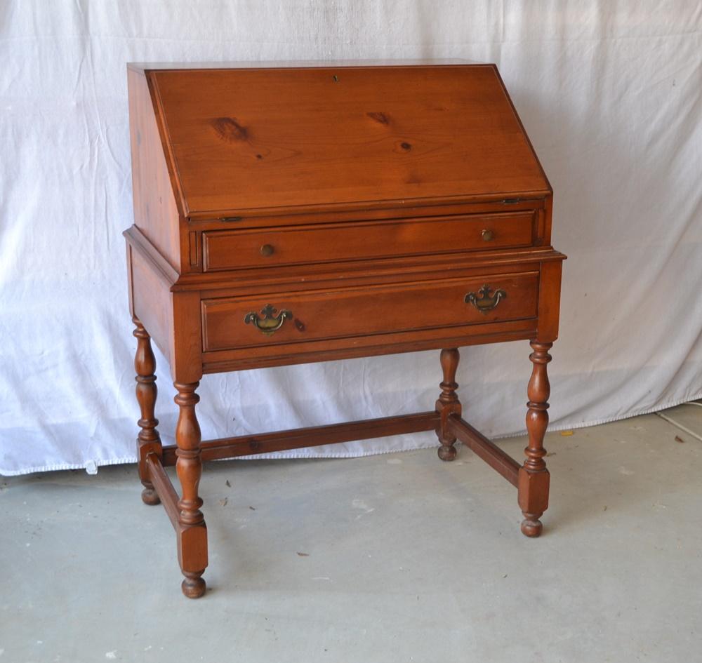 Vintage Davis Cabinet Company Knotty Pine Drop Down Desk : EBTH