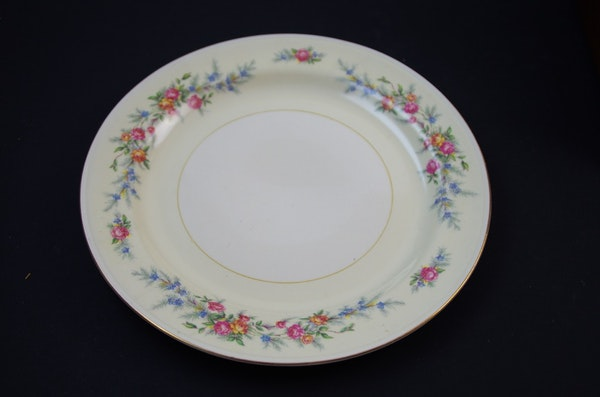 1940s Set Of Homer Laughlin China Dishes With Floral