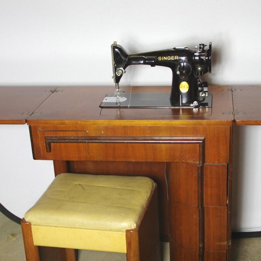 1947 Singer Sewing Machine in Art Deco Cabinet : EBTH