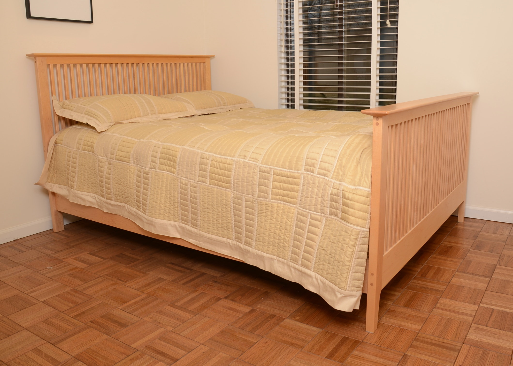 Contemporary Full Size Maple Spindle Bed Frame with