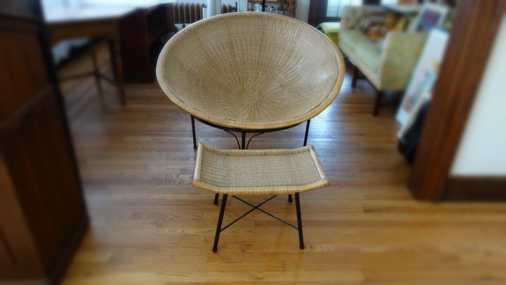 Vintage Saucer Chair With Wicker Bowl And Metal Base ...