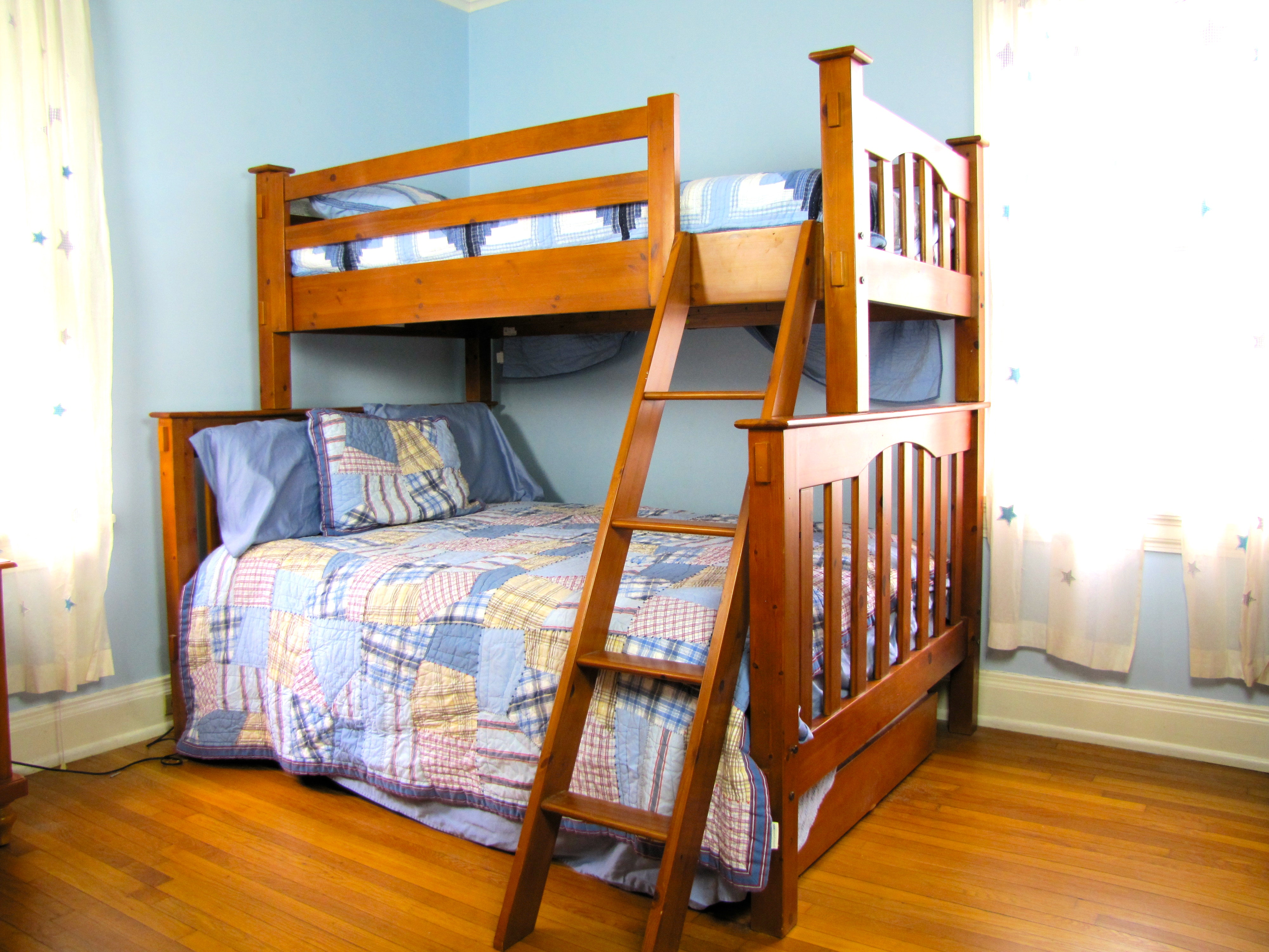 Pottery Barn Kendall Twin Loft Over Full With Trundle Bed Set Ebth