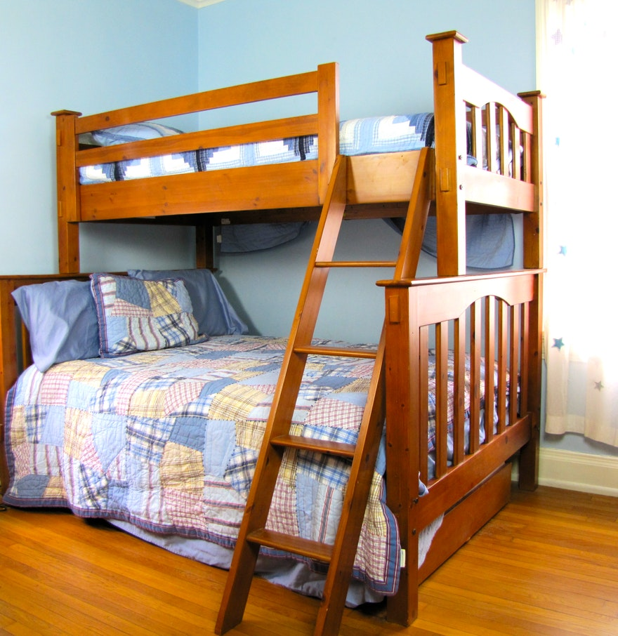 pottery barn kendall twin loft over full with trundle bed set ebth. Black Bedroom Furniture Sets. Home Design Ideas