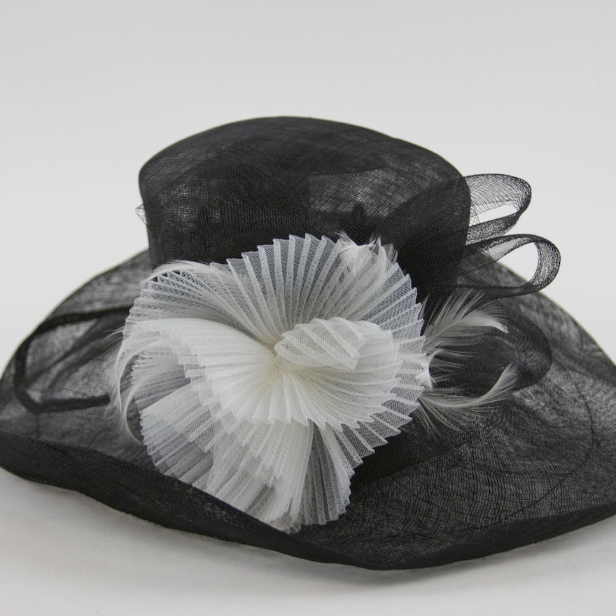 94a946e983a Large Brimmed Black and White Embellished Hat   EBTH