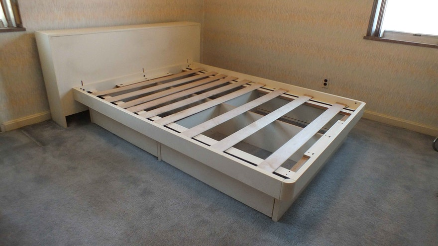 Vintage Techline Platform Bed Ebth