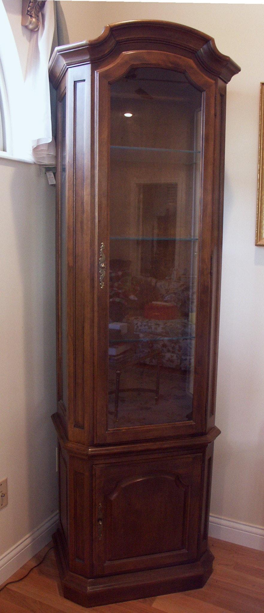 Ethan Allen Lighted Curio Cabinet Ebth