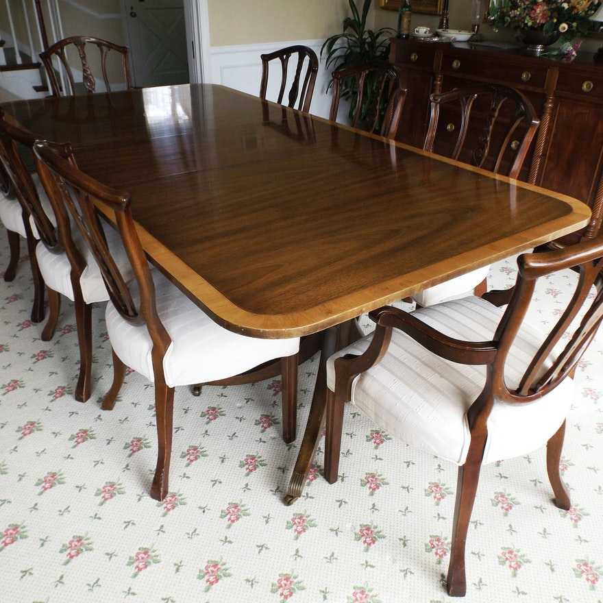 Kittinger Duncan Phyfe Style Dining Table And 8 Chairs