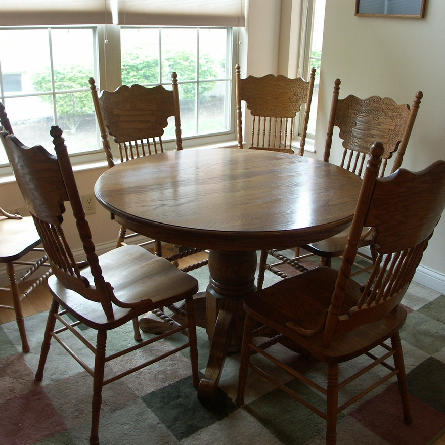 Beautiful Walter Of Wabash Oak Pedestal Table And Chairs