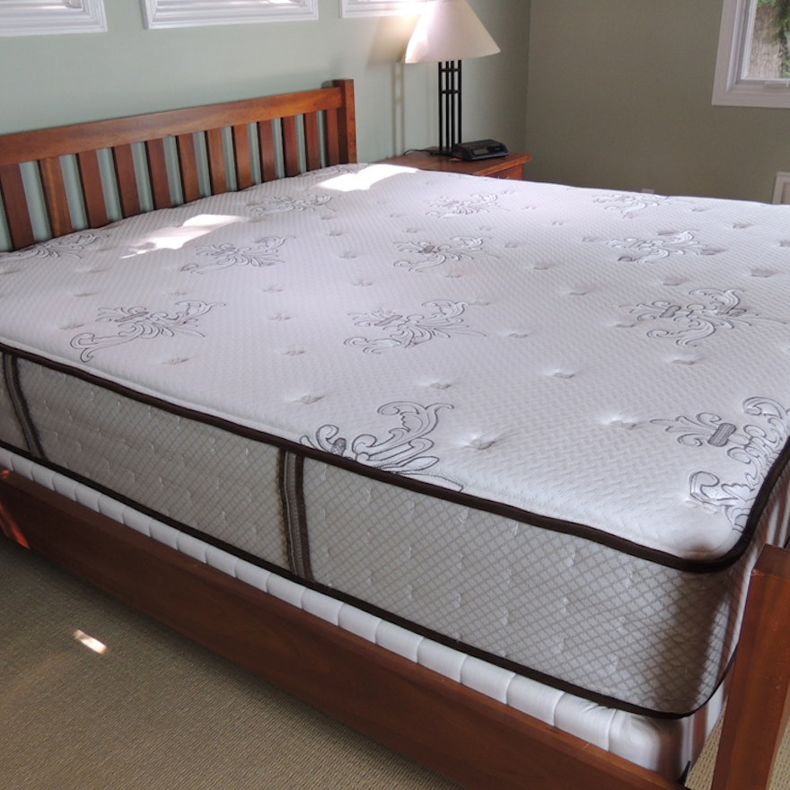 Stearns Foster King Size Mattress And Box Spring Ebth