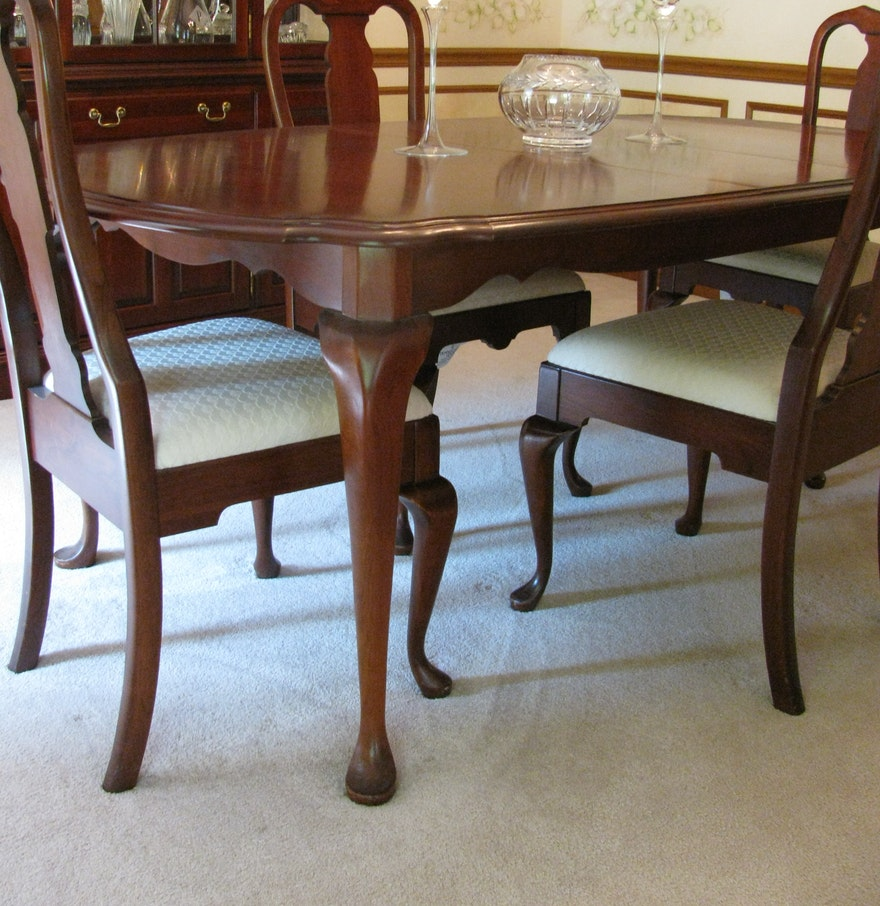 Pennsylvania House Cherry Queen Anne Dining Room Table and Chairs  . Queen Anne Dining Room Set. Home Design Ideas