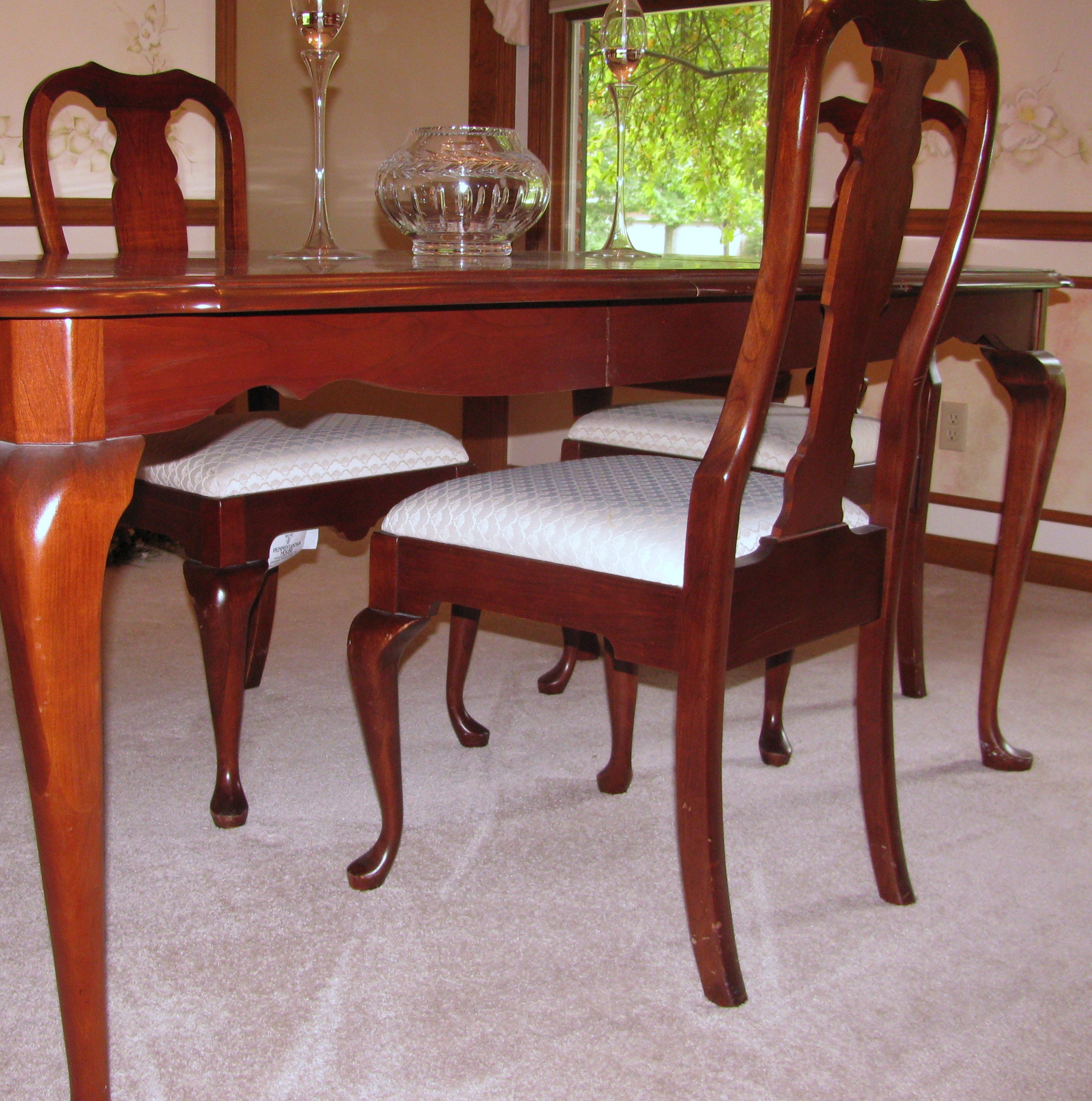 pennsylvania house cherry queen anne dining room table and queen anne cherry wood dining table from dutchcrafters