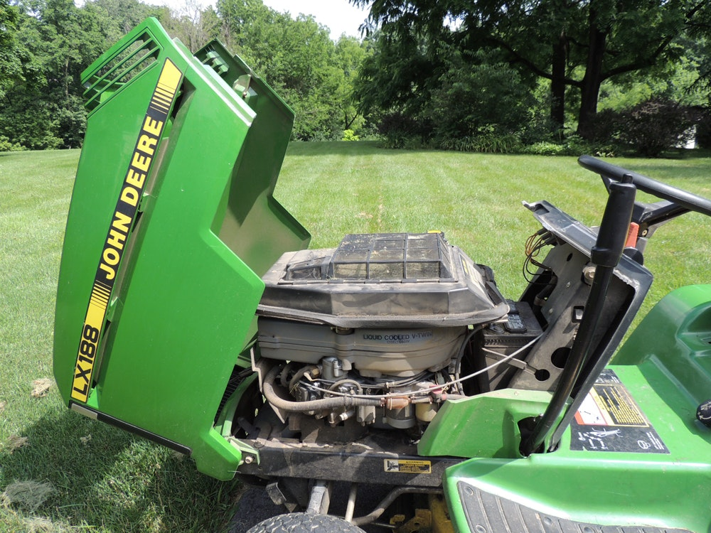 John Deere Lx188 Lawn Tractor 48 Quot Deck Riding Mower Ebth