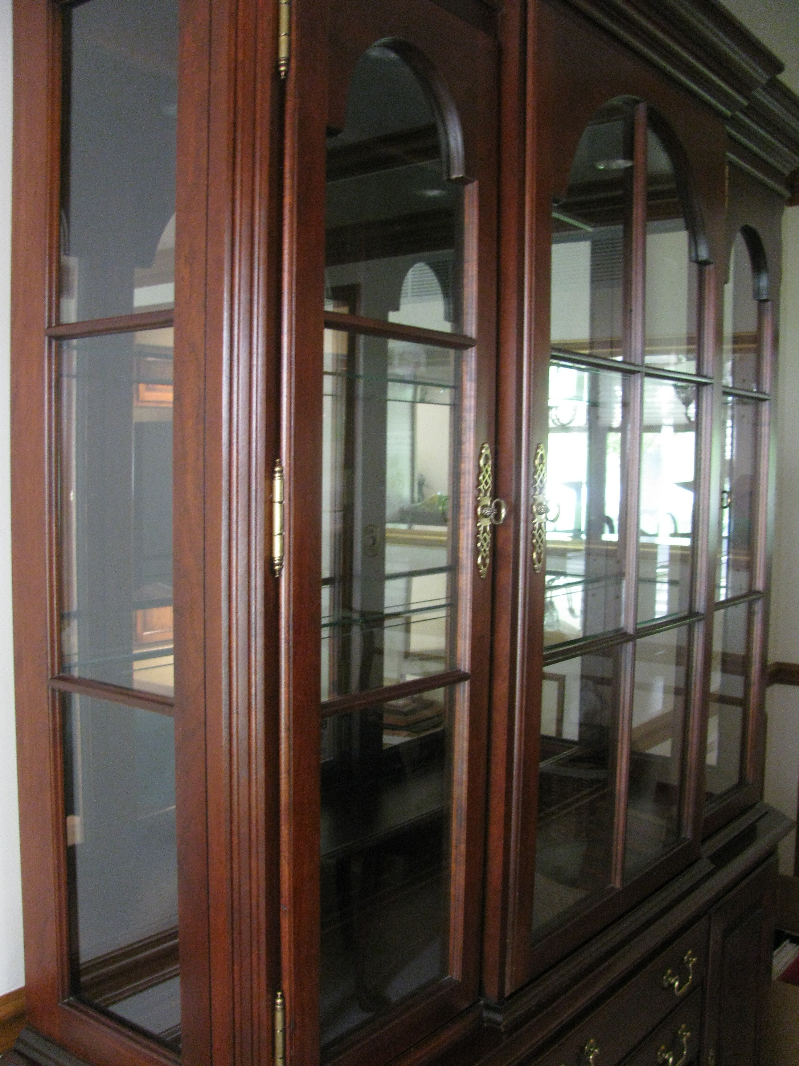 Pennsylvania House Cherry Traditional China Cabinet Ebth