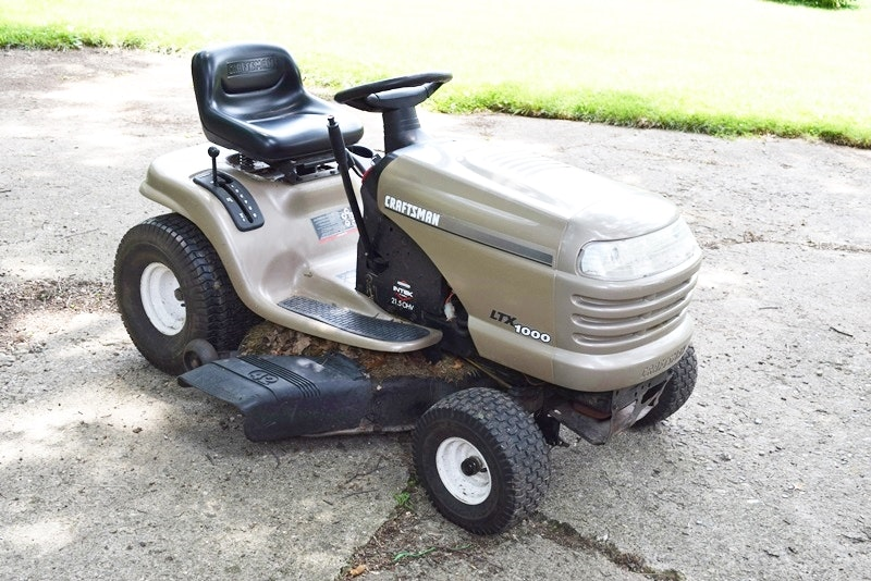 2014 Craftsman 30 Hp Garden Tractor : A craftsman ltx riding mower ebth