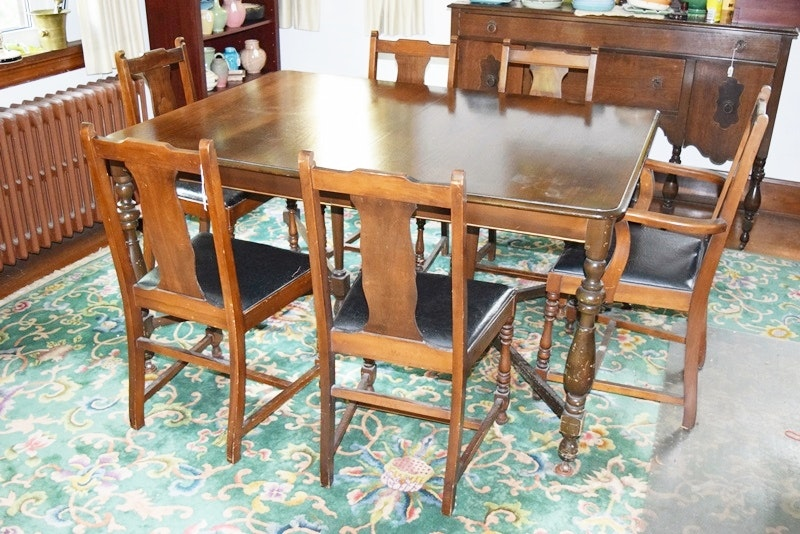 vintage 1930s american dining table and six chairs online furniture auctions   vintage furniture auction   antique      rh   ebth com