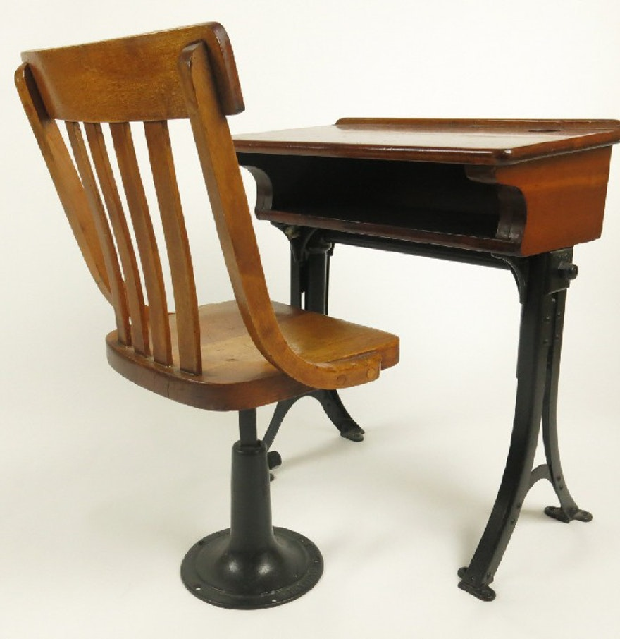 antique heywood oak and cast iron child 39 s school desk and chair ebth. Black Bedroom Furniture Sets. Home Design Ideas