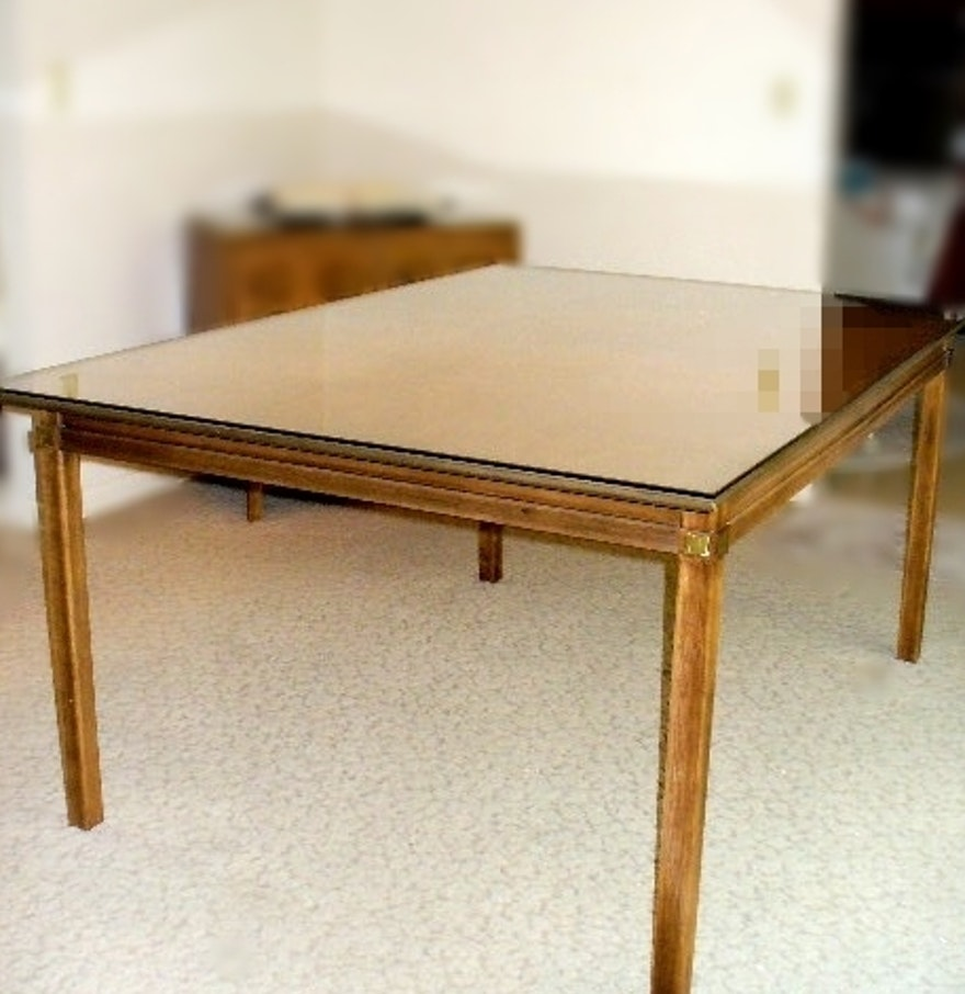 Tamerlane by thomasville dining room table with glass for Dining room tables thomasville
