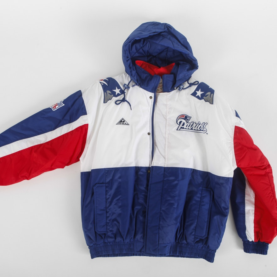 brand new 3db0b 48776 Apex One New England Patriots Hooded Coat