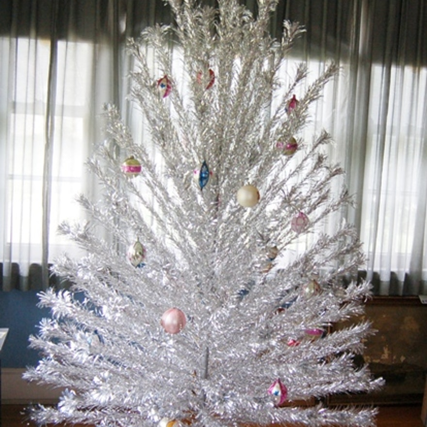 vintage silver tinsel christmas tree - Vintage Tinsel Christmas Tree