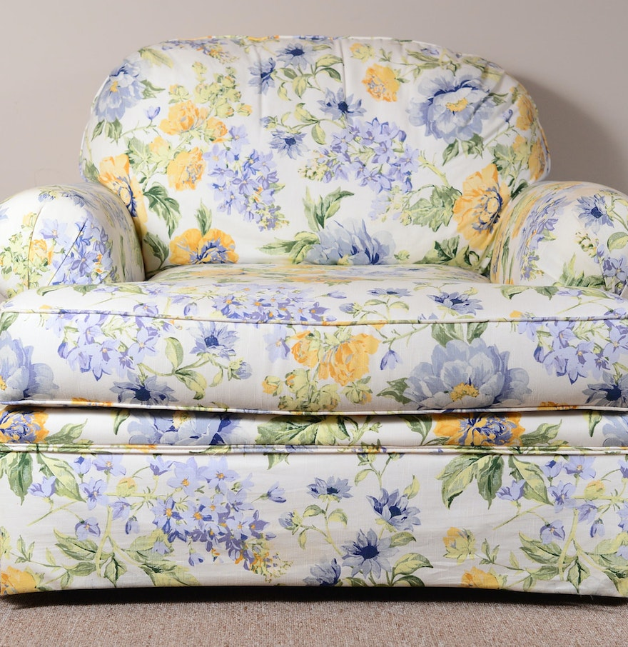 Oversuffed Accent Chair: Overstuffed Floral Print Comfy Chair : EBTH