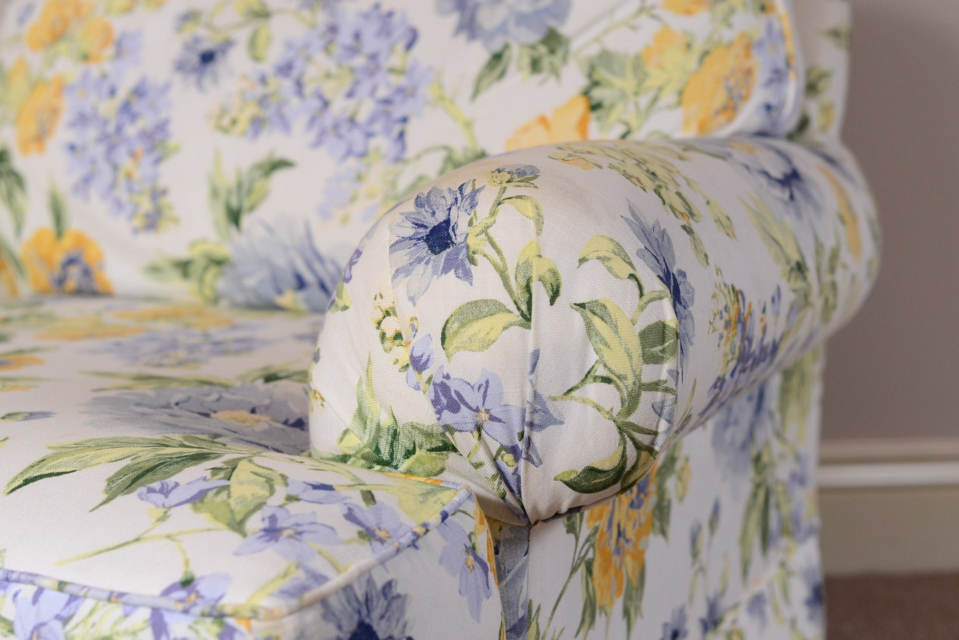 Overstuffed Floral Print Comfy Chair Ebth