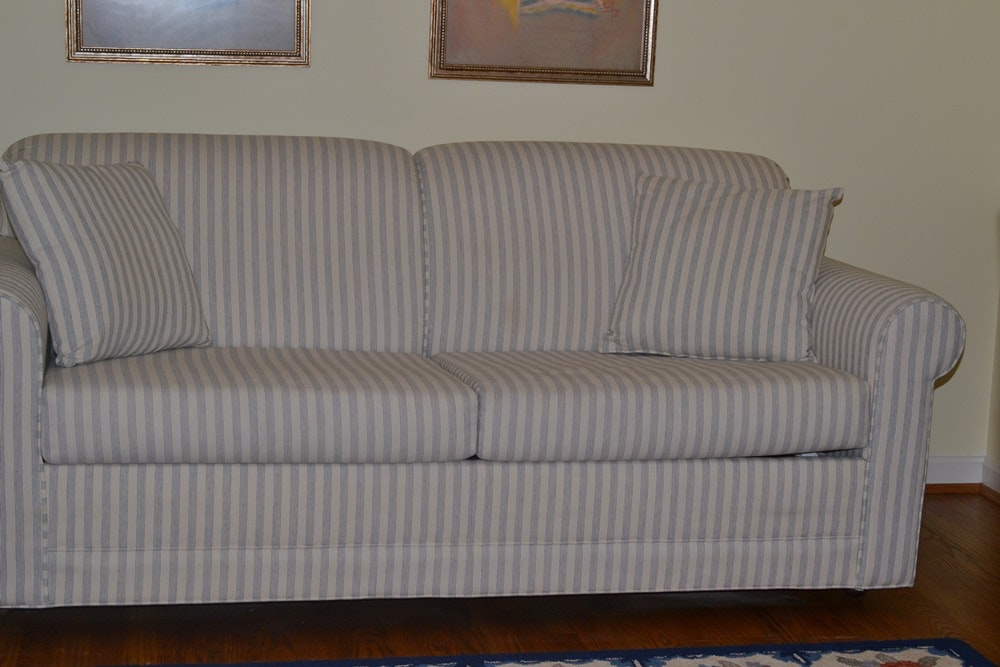 Full Size Sleeper Sofa With Stearns Amp Foster Mattress Ebth