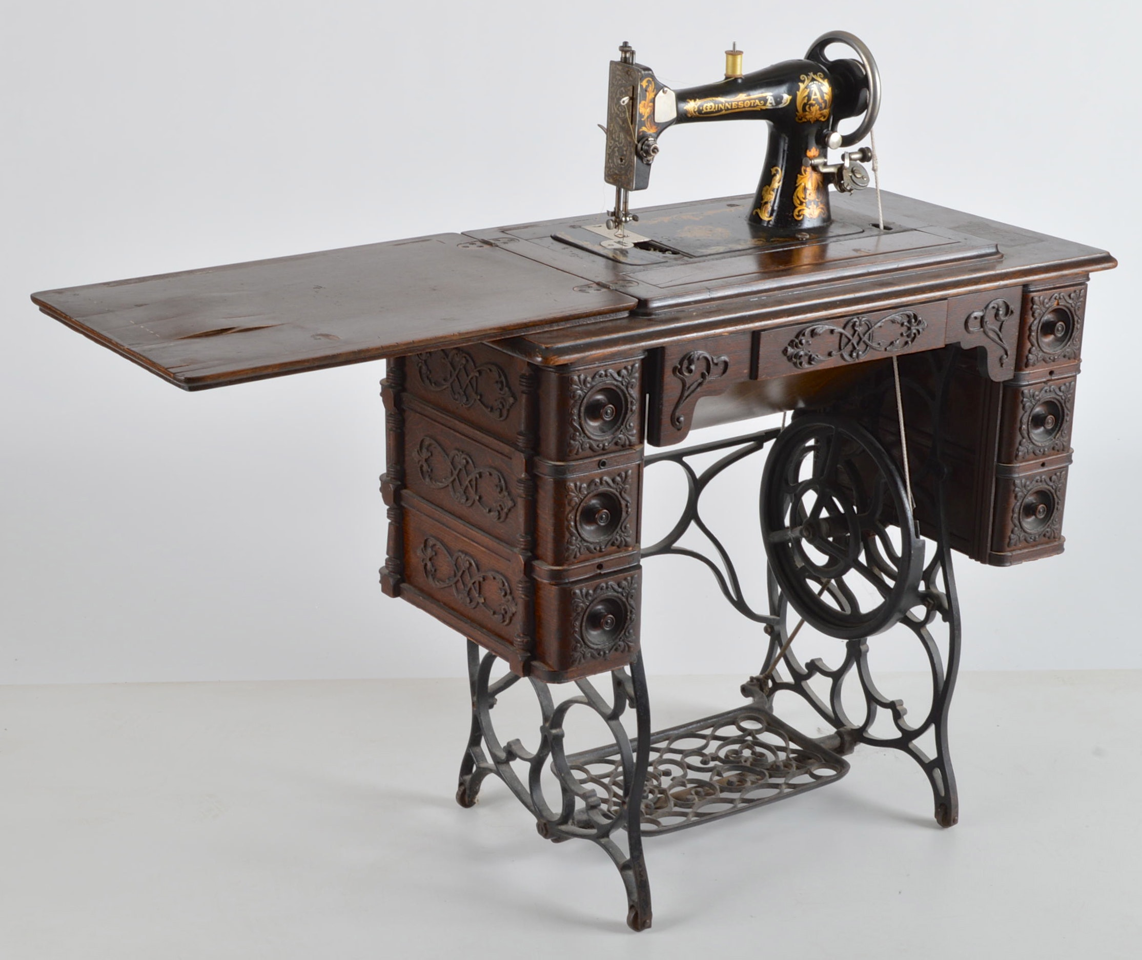 Antique Treadle Sewing Machine With Table Ebth