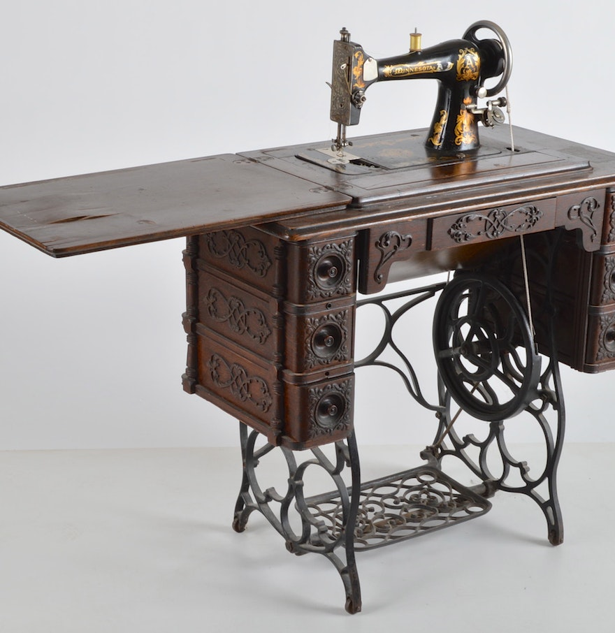 antique treadle sewing machine with table ebth. Black Bedroom Furniture Sets. Home Design Ideas