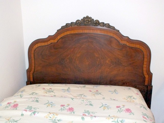 Vintage French Provincial Style Bedroom Suite Ebth