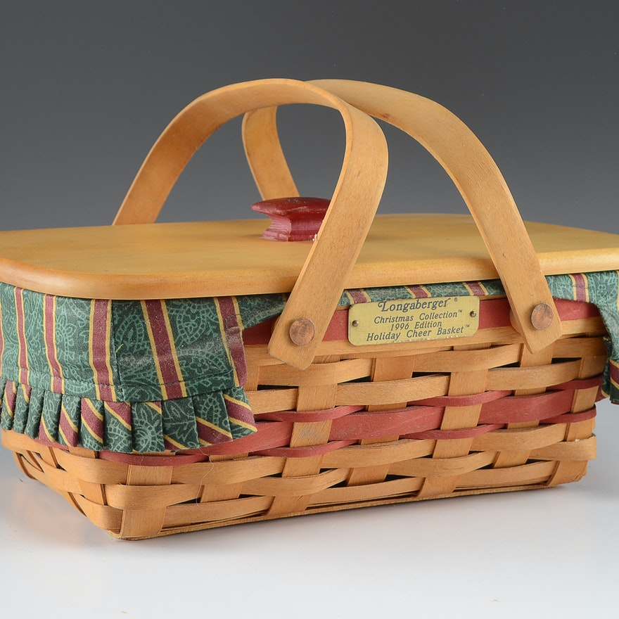 Longaberger Christmas Basket.Longaberger 1996 Holiday Cheer Basket