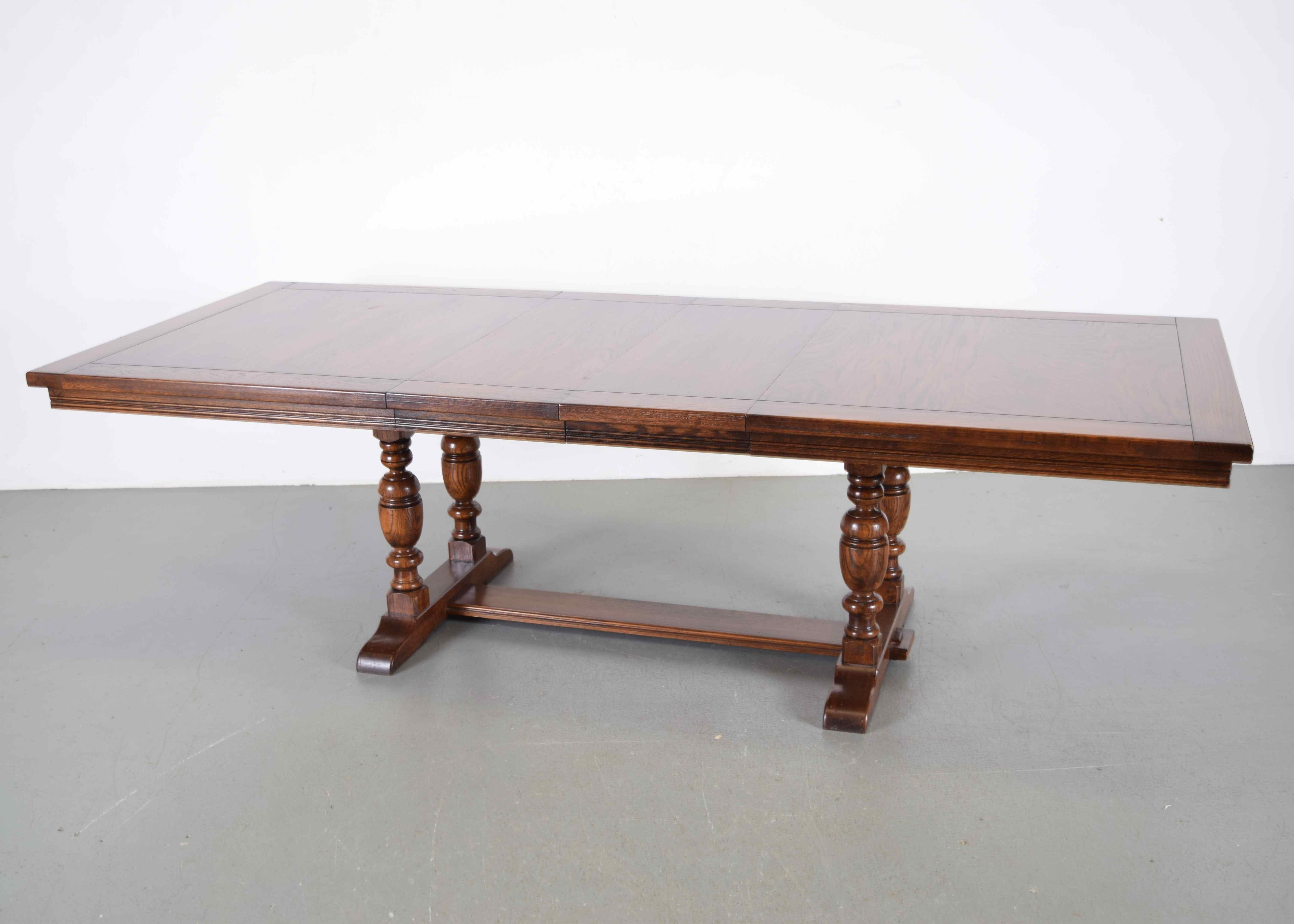 Ethan Allen Royal Charter Oak Trestle Table ...