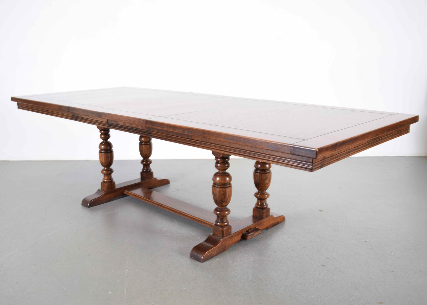 Ethan Allen Royal Charter Oak Trestle Table Ebth