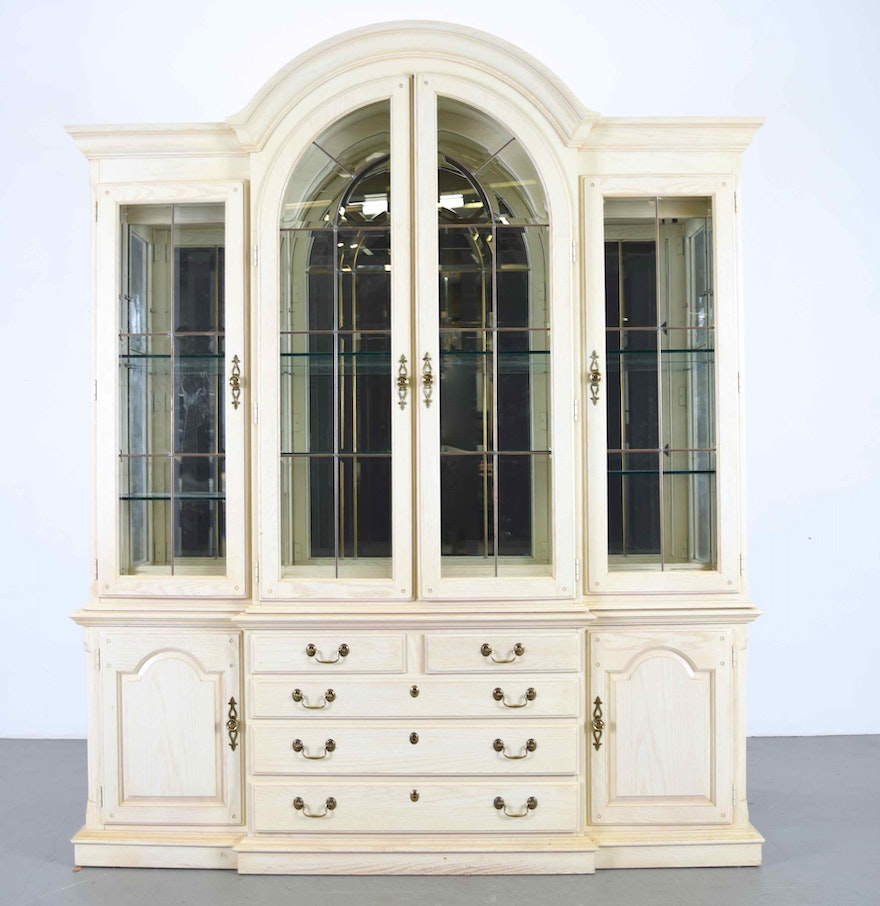 French Country Cabinet Thomasville French Country China Cabinet Ebth