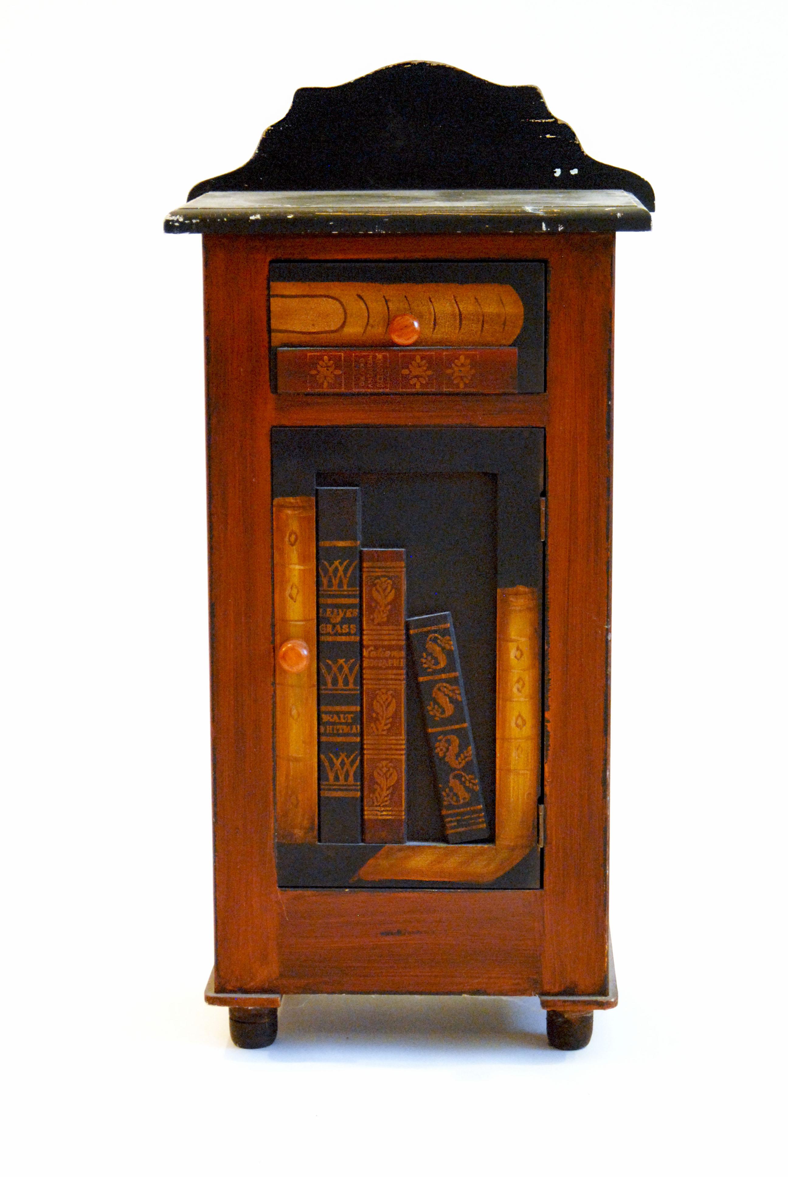 Vintage Freestanding Bookcase : EBTH