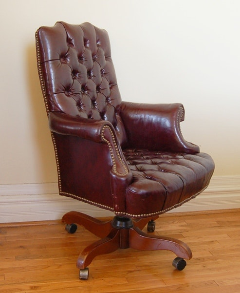 cordovan tufted leather office chairnorth hickory furniture : ebth