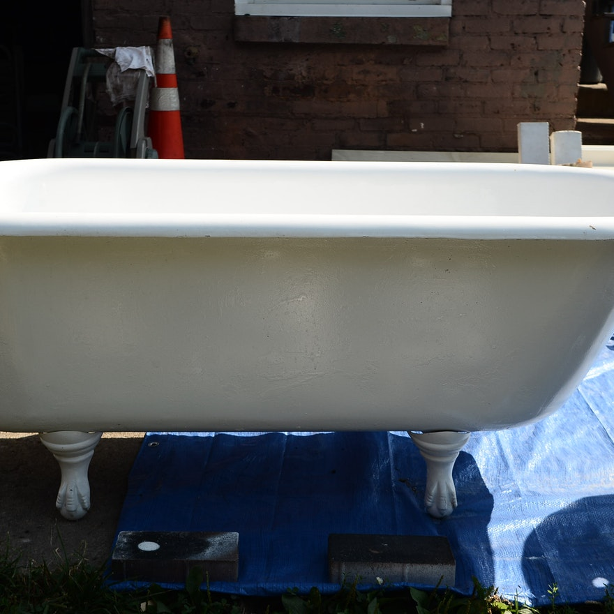 Cast Iron Claw-Foot Tub-5 Foot : EBTH
