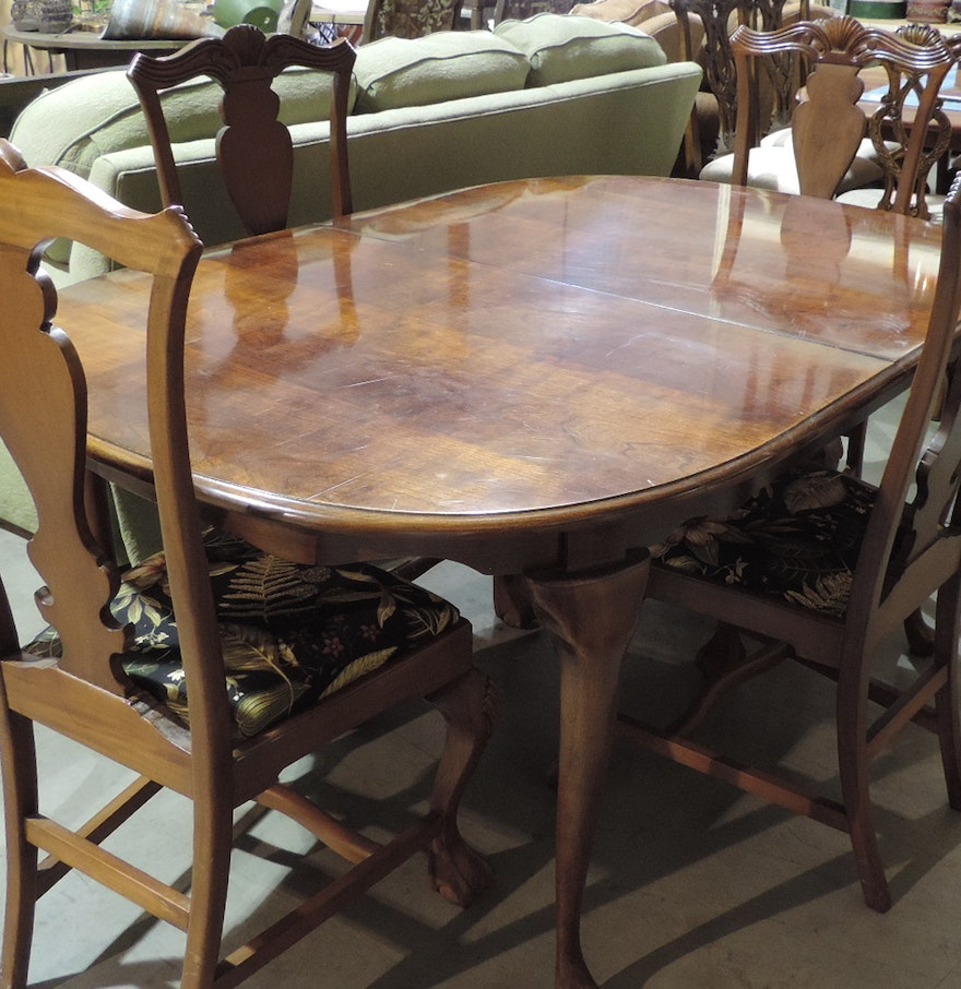 Queen Anne Style Dining Table And Four Chairs EBTH