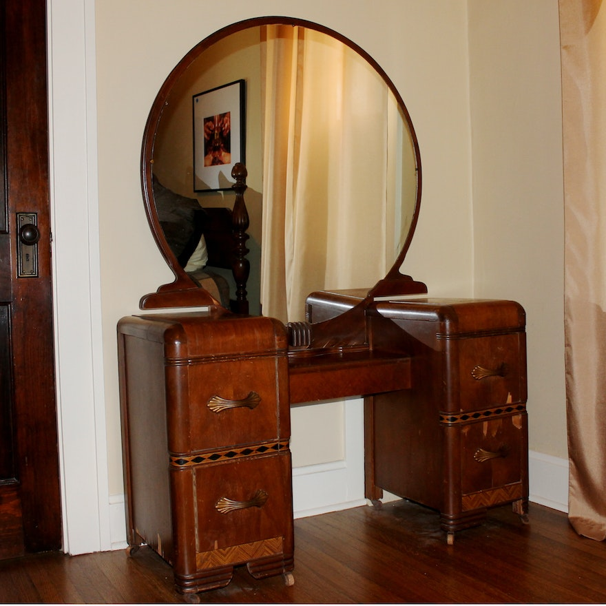 Art deco vintage 1930s vanity and round mirror