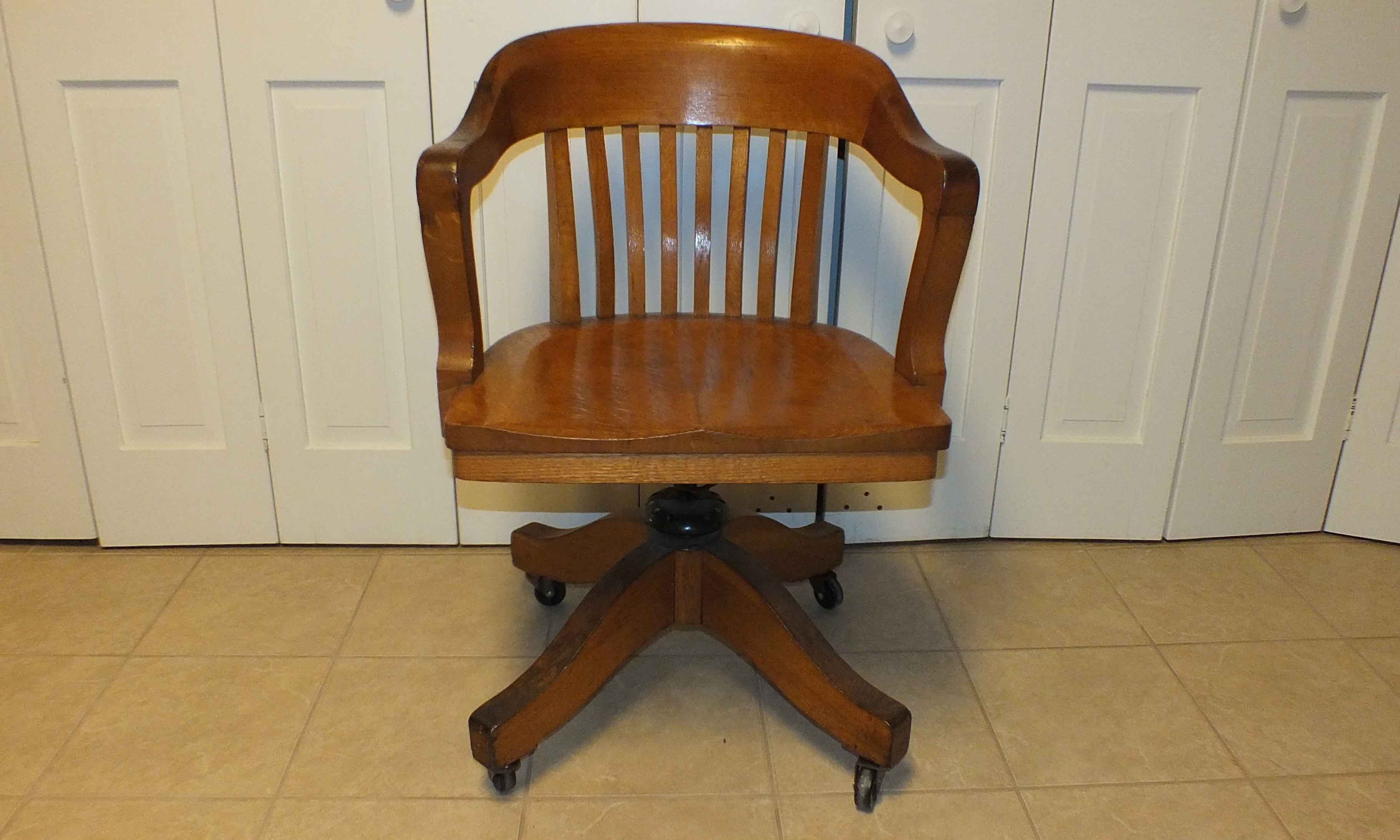 colonial chair company solid oak desk chair : ebth
