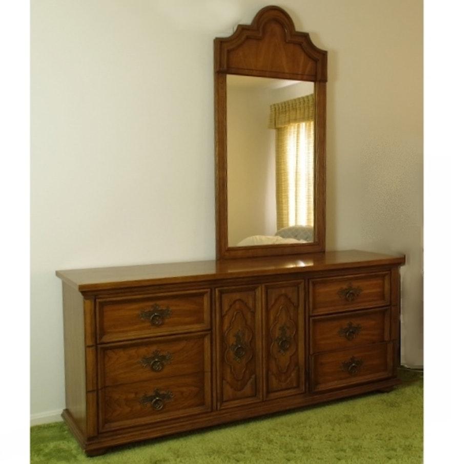 Kroehler Bedroom Furniture Double Wide Kroehler Dresser With Mirror Ebth
