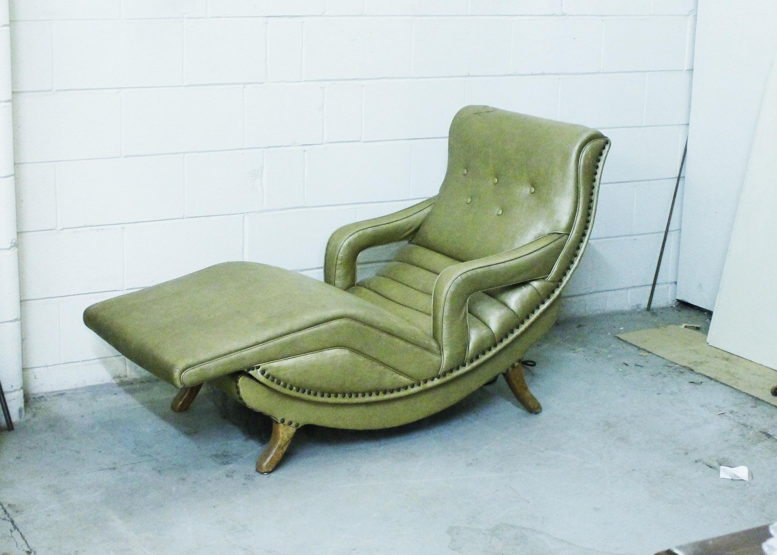 Mid Century Vibrating Contour Lounge Chair ...